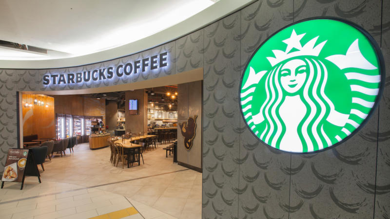 Starbucks Coffee Shop in Gatwick Airport